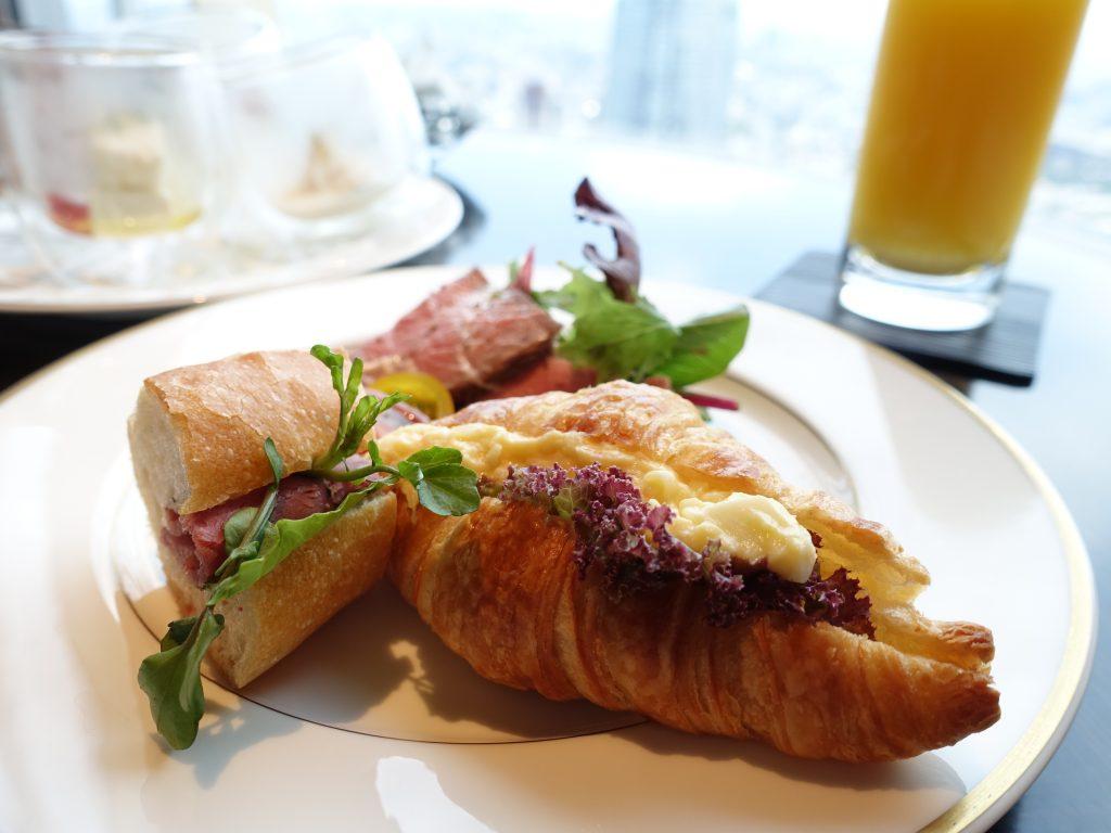 リッツカールトン東京 クラブフロアでの朝食とホテル散歩